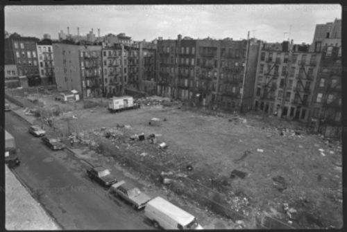 Sealed up tenement apartment buildings and vacant lots on Suffolk Street, between Stanton and Rivington in the Lower East Side in 1989. Photo by Paul Rice for the Dept of Housing Preservation and Development. Retrieved from the NYC Municipal Archives.